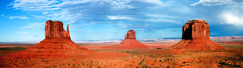 Monument valley ve státech Arizona a Utah